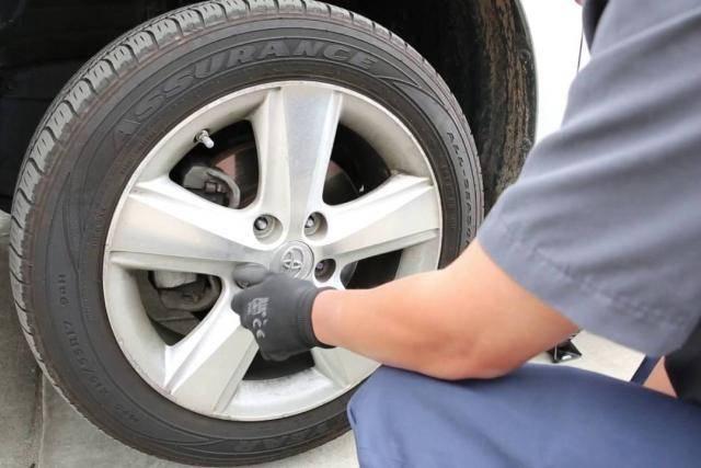 原装轮胎能跑多少公里(换轮胎是按公里数还是按时间)