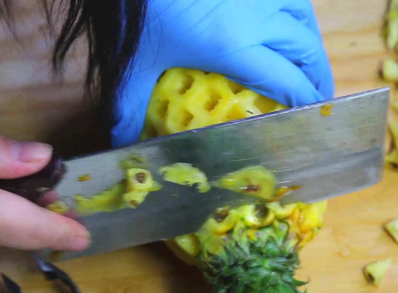 菠萝在家里怎么削皮(削菠萝有几种方法呢)插图(8)