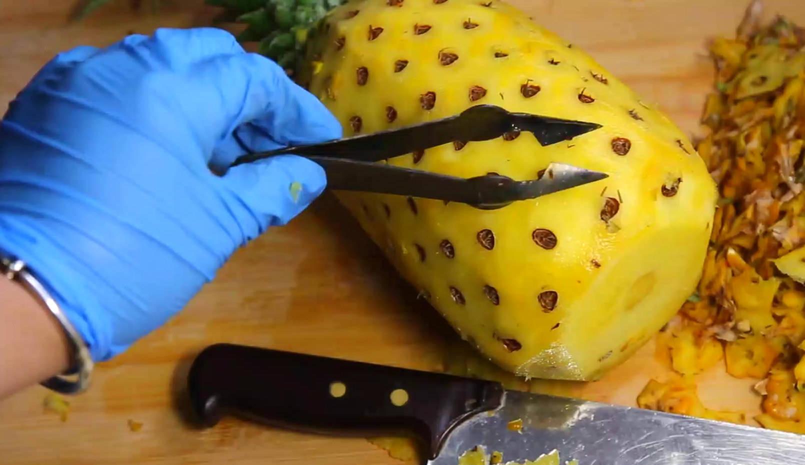 菠萝在家里怎么削皮(削菠萝有几种方法呢)插图(4)
