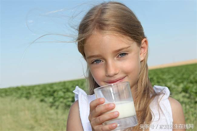 脱脂牛奶的危害(脱脂牛奶好不好呢)插图