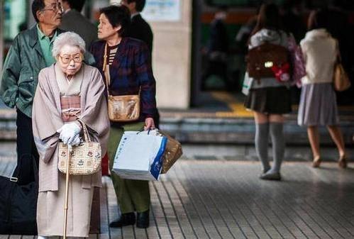 日本人虽然不喜欢运动,但肥胖率低,寿命全世界第1,和3点有关