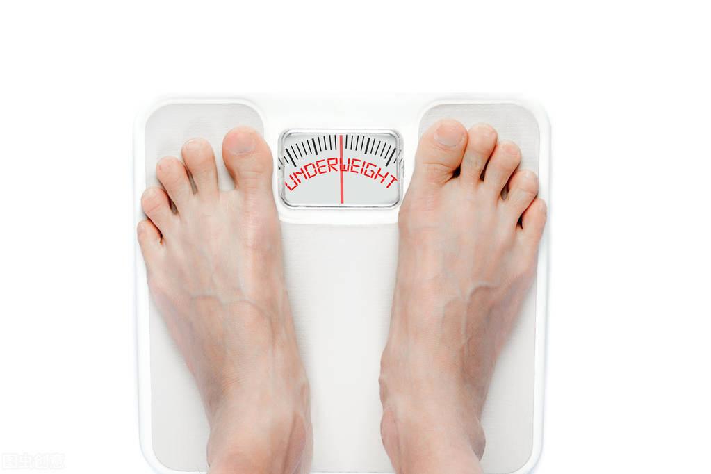减肥,为什么不是减重?健身时,为什么要加入力量训练?