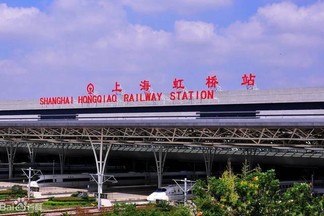 """我国""""最忙""""高铁站,平均每分钟一趟列车,每日人流量达15万"""