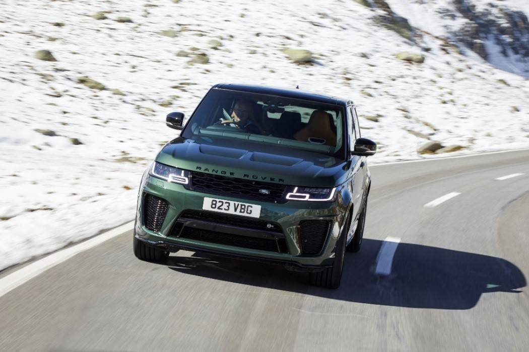 搭载5.0L V8发动机/4.5秒破百 揽胜运动版SVR新车型上市