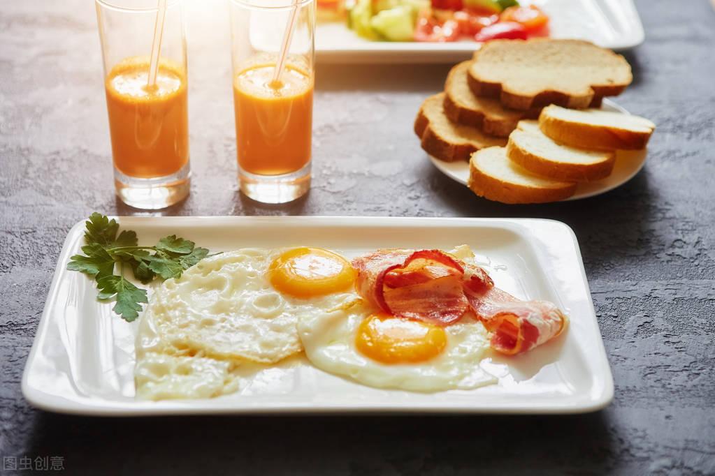不吃早餐能减肥吗?怎么控制饮食,才能瘦下来?