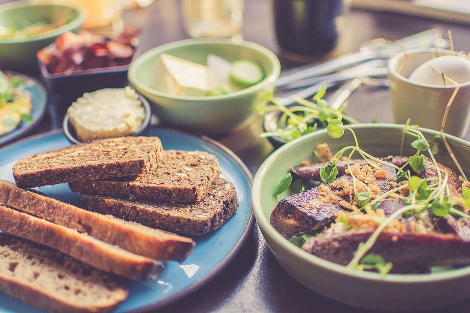 早餐吃得像皇帝?医生提醒:比起不吃早餐,早餐吃这3种更伤身