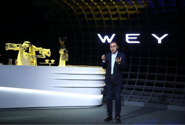 咖啡智能+柠檬混动,WEY摩卡成就智能汽车黄金时代顶流