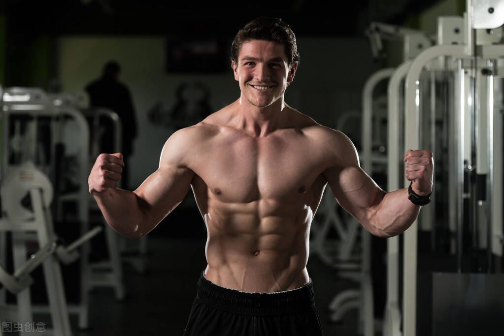 长期健身的肌肉型男,一旦停止健身锻炼,身材会变成什么样?