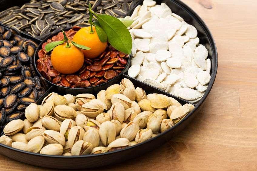春节将至,如何买坚果?这类瓜子、花生,医生劝你再便宜也别买!