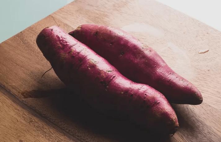 吃错红薯会加重便秘?红心、黄心、白心,哪个品种的红薯营养更好?