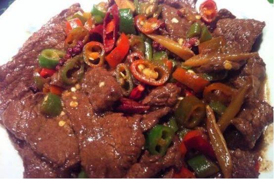 32道菜肴,妥妥的美味,有味道、有食欲,家人吃的很满足