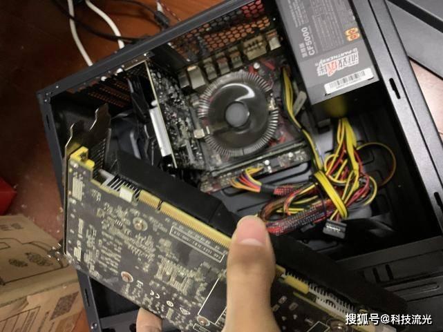 堂姐买电脑贪便宜,这就是血的教训,看你硬盘里的数据怎么办?