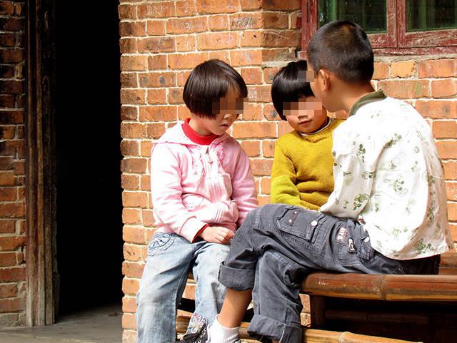 孩子长大后抗拒去外婆家?爸妈别急着骂,可能是这四个原因造成的