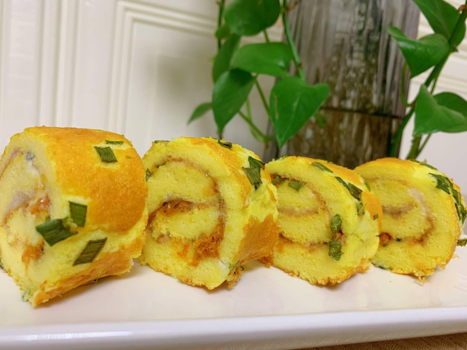 【葱花肉松蛋糕卷】的做法+配方,这个口味小孩很爱吃,美味好吃