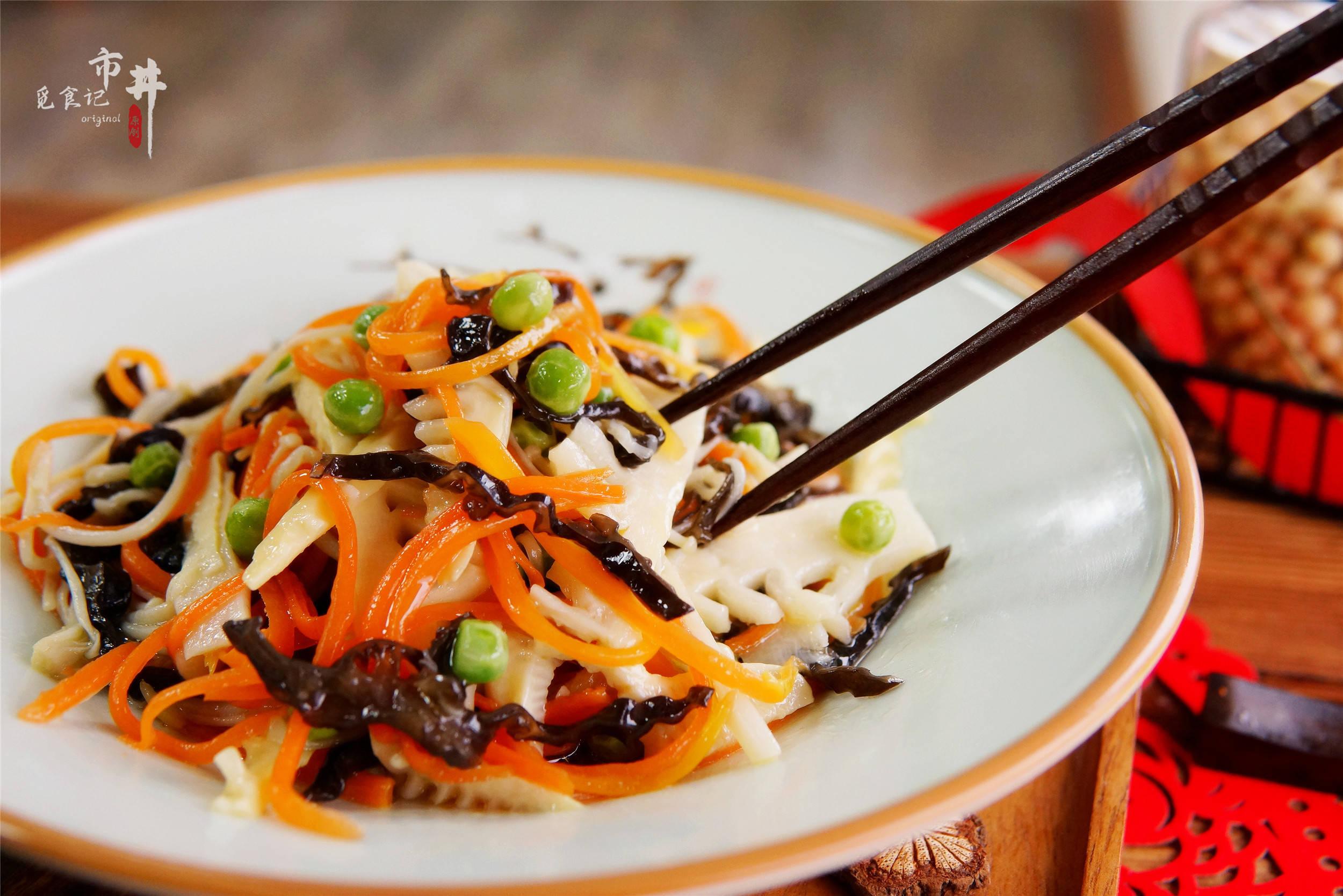 """春节家里来客人,8道""""巧搭配""""的素菜小炒,照着做待客不发愁"""