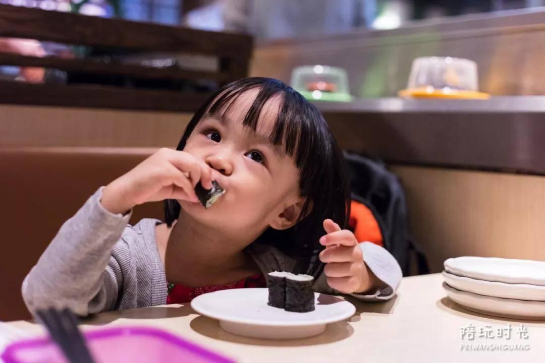 不想孩子被欺负,就别总在餐桌上说这句话  第4张
