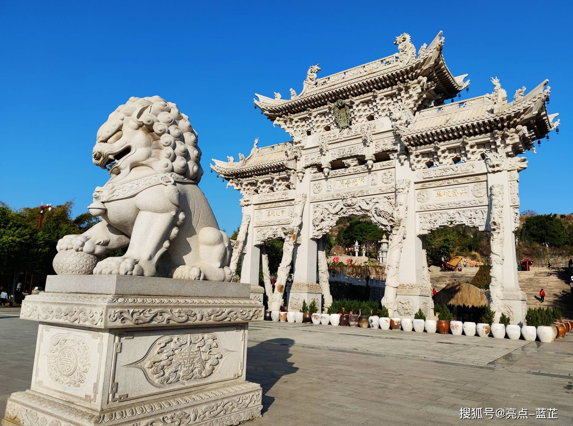 了不起的梅山寺,拥有两个国内之最——石质山门、缅甸白玉佛像  第3张