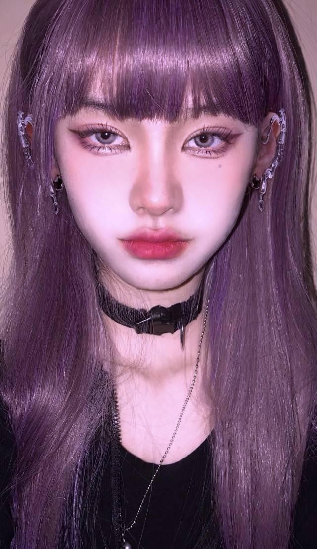 原创             网红西红柿P图翻车后开直播,头发遮脸颜值一般,大骂让她撩开头发的网友