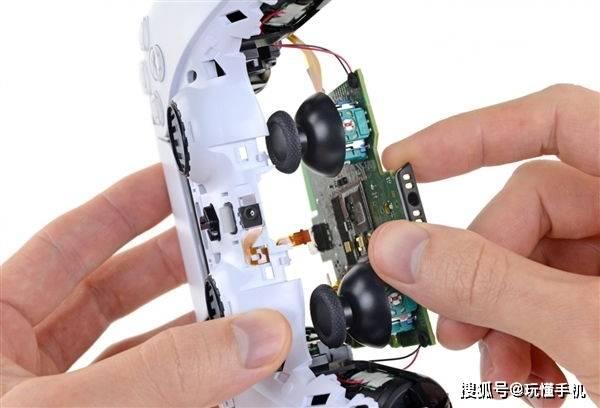 原创             索尼PS5 DualSense手柄测试后发现,摇杆417个小时就需更换