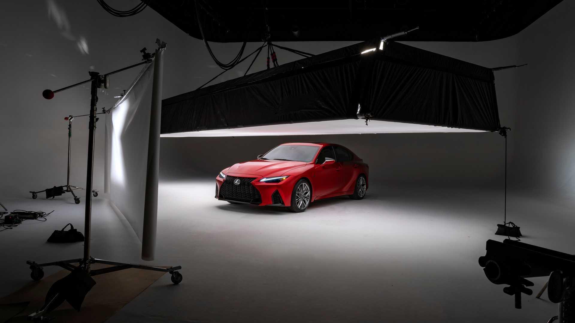 原装雷克萨斯IS高性能版,搭载5.0升V8自吸发动机,看起来真香