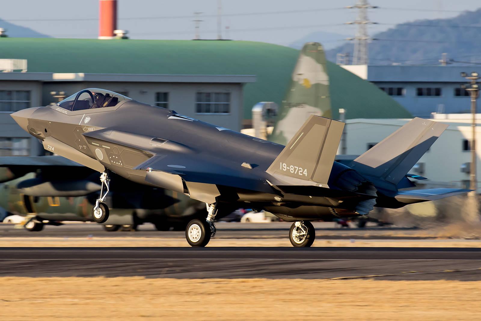 三菱重工爆产能,4天首飞两架F-35隐形战机,年度计划已完成33%