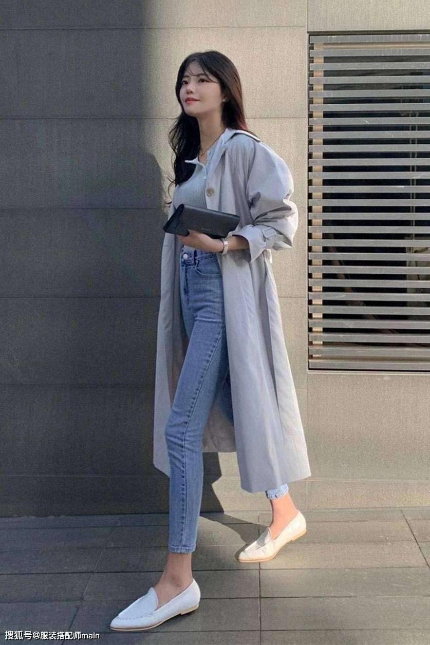 原创             早春穿搭不必犯难,看韩国小姐姐的示范,简单时髦显气质
