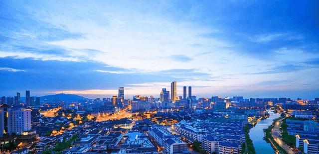 在苏州gdp_苏州GDP高于杭州,为何富豪更少,两市五百强民企排全国前2位