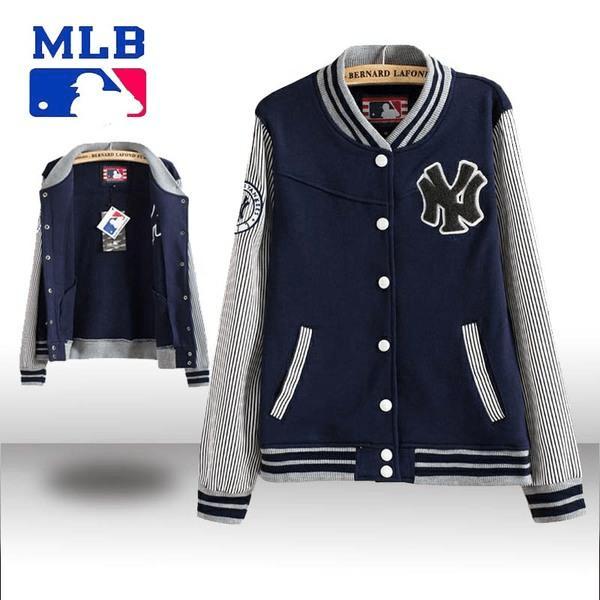 看腻了卫衣外套,不妨尝试一下棒球服外套,恣意青春魅力