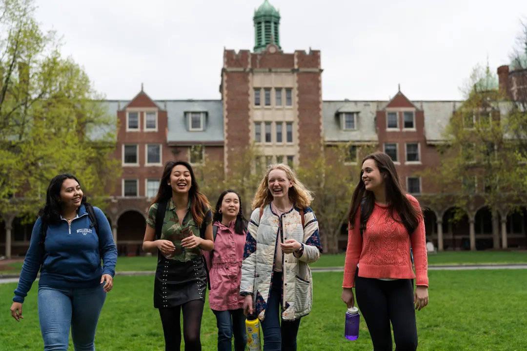 美国留学:ED1 失败,她如何在 ED2 阶段拿到韦尔斯利学院的录取?
