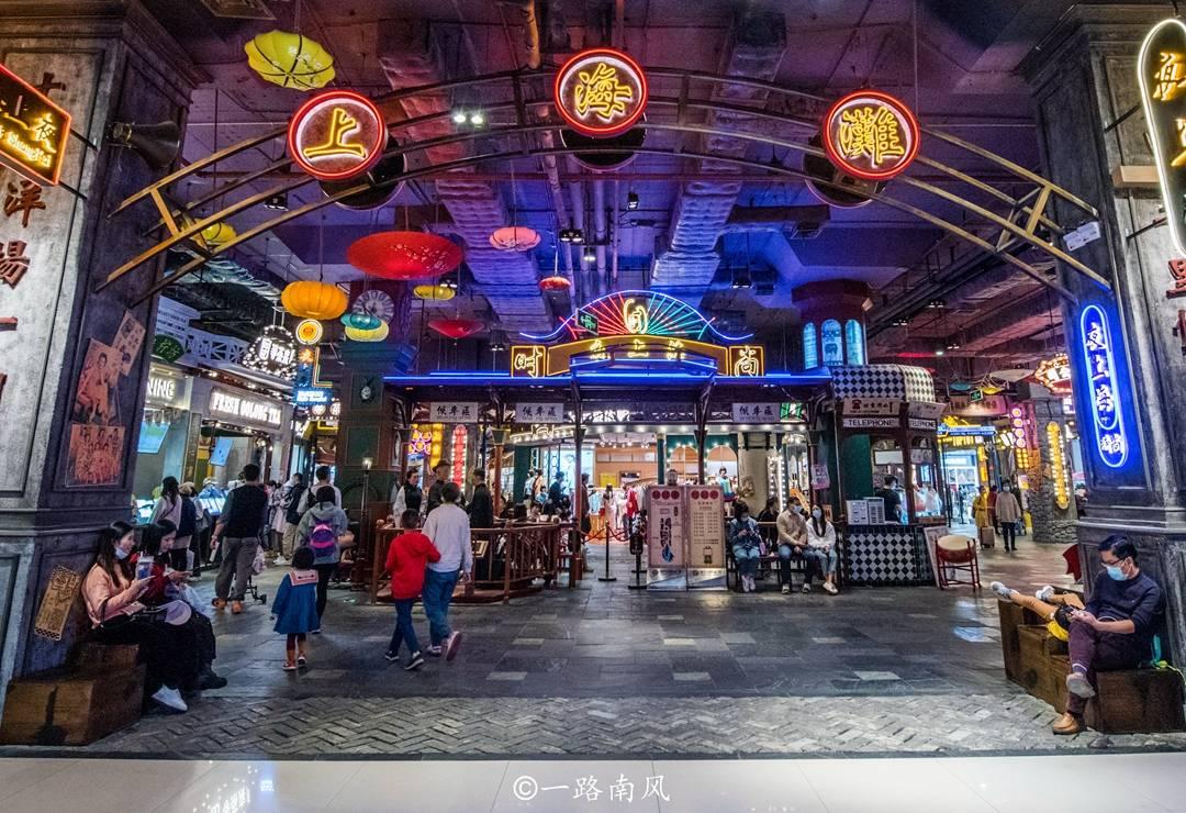 """广州天河有个""""地下城"""",感觉像上海滩片场,经常游人如织"""