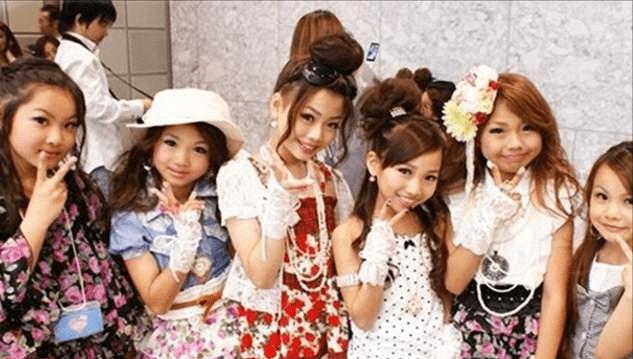 """日本小学生能有多早熟?偏爱化妆是其次,""""梦想""""才是毁三观"""