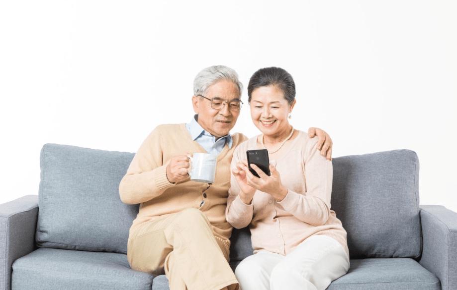 IPhone对于老年人来说稳定流畅?论制度功能还是家庭美德