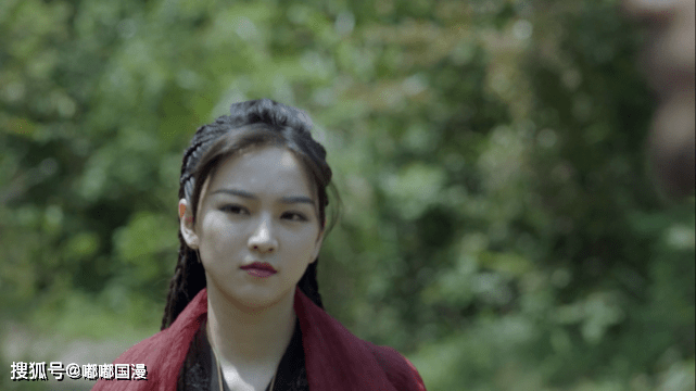 原斗罗大陆抛弃了胡莲娜,省去了第二季的一大烦恼。唐三不需要更换演员