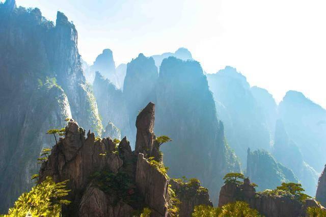黄山西海大峡谷:流连忘返的绝美之地,在此见到云海四季会好运!
