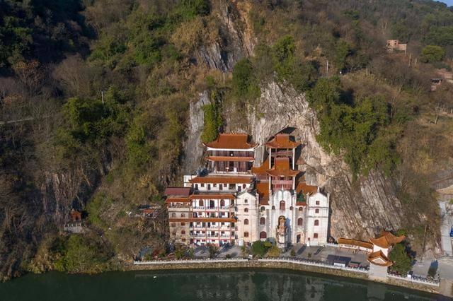 郴州有一个寺庙,居然修建在山洞里,快来跟我一探究竟吧