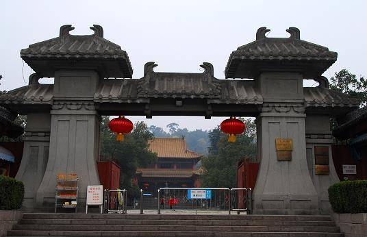 浙江安徽交界处,有一个低调小城,山川雄秀风光绮丽!