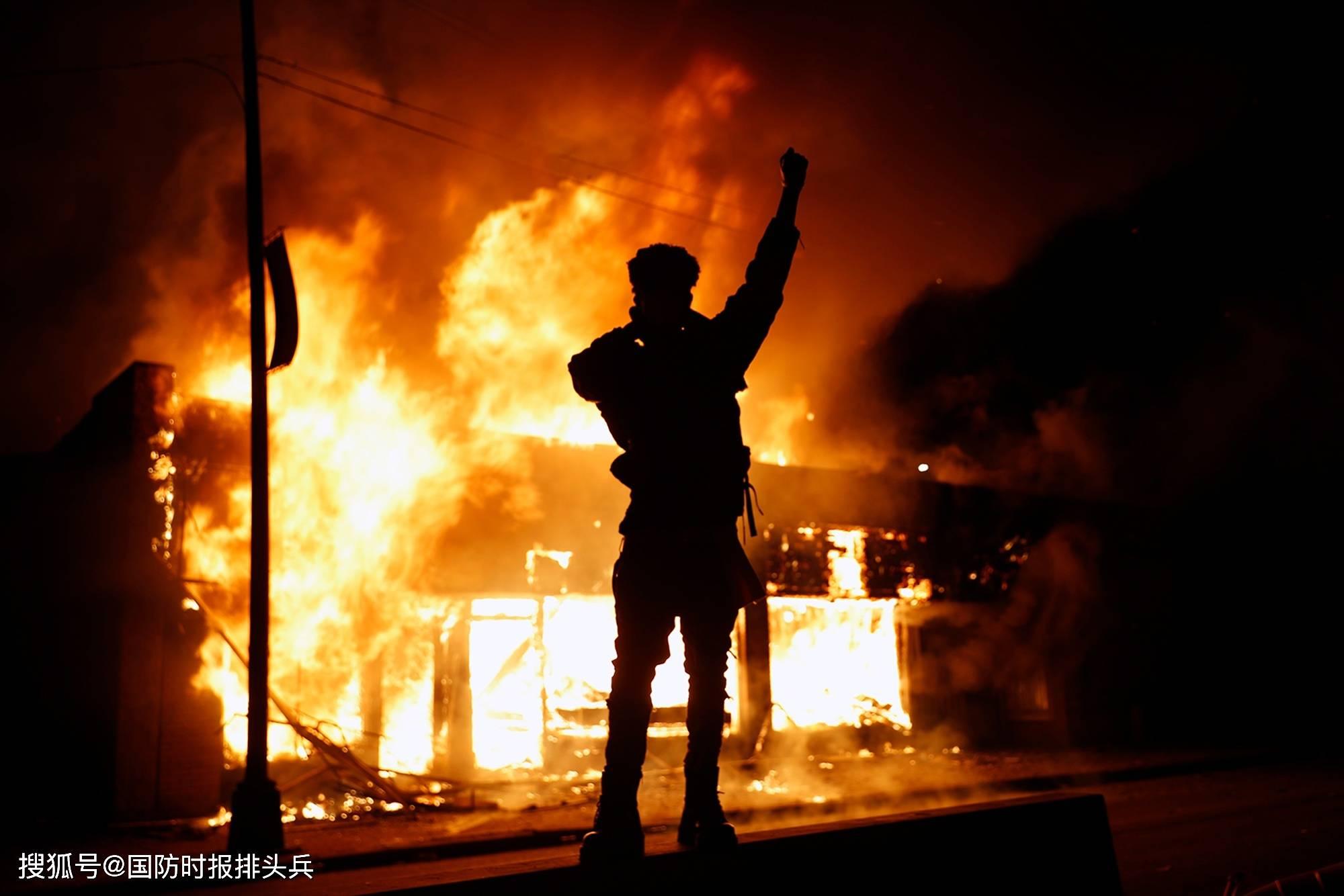 """""""炸国会""""、抗议""""无法呼吸"""",美国将再现""""美丽风景线""""?"""
