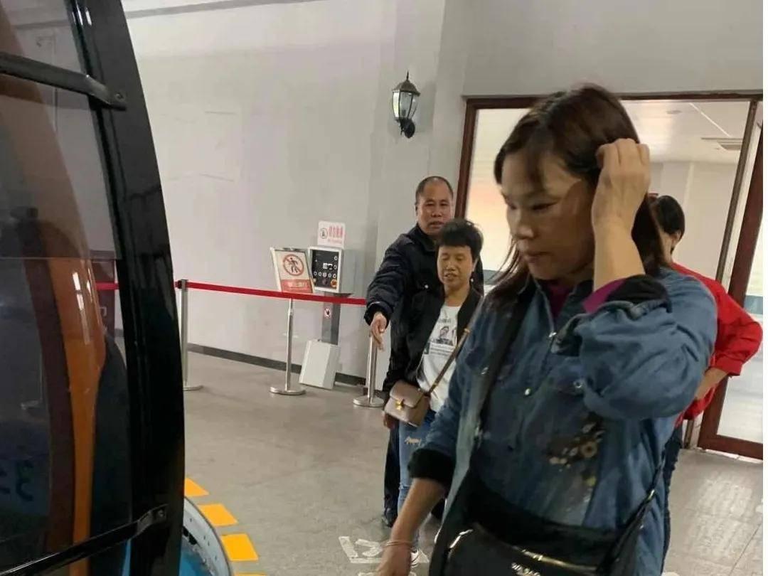 """国家旅游地理:江西上饶灵山风景区职工叶瑞获""""广信好人""""称号(图)"""