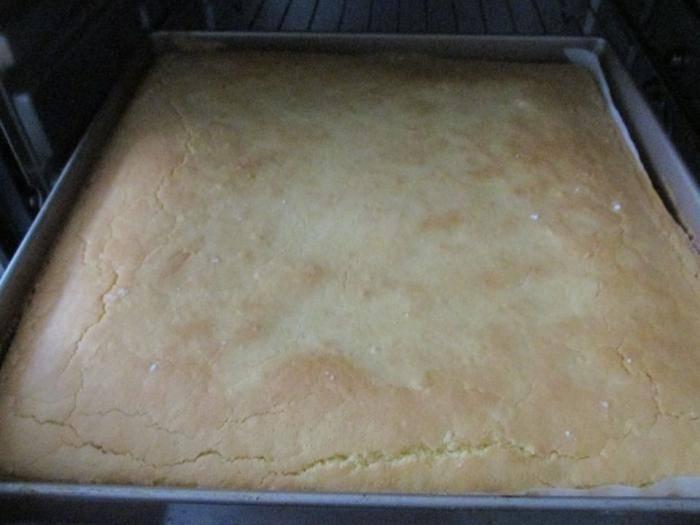 鸡蛋加面粉搅一搅,不用添加剂,30分钟做一盘暄软好吃,出炉抢光
