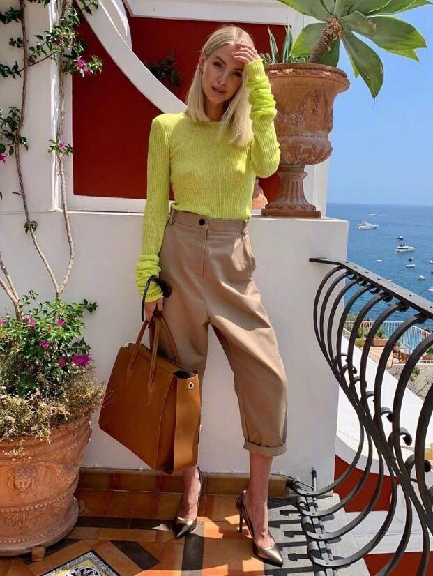 德国籍时尚博主Leonie Hanne又A又时尚 穿搭具有极强的高级感