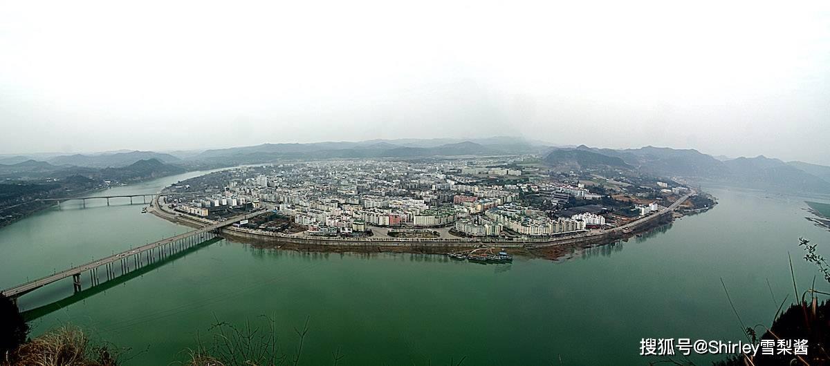 四大古城中最低调的一座,曾是四川省会,如今GDP只有成都的1.5%