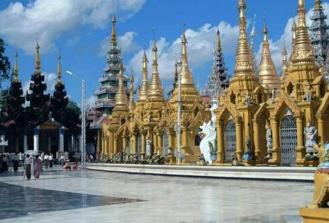 导游提示:在泰国旅游,遇到商家递给你白色手套,不想上当就别接