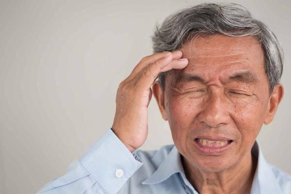 寿命短的人,起床时有四个表现,若你一个都没有,恭喜身体硬朗