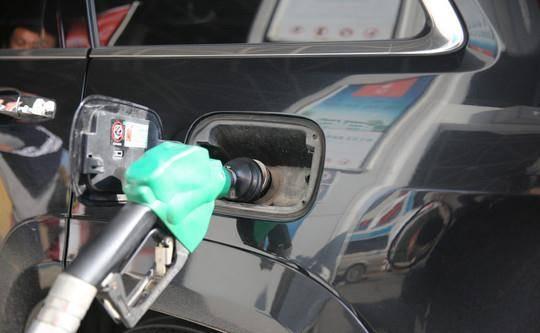 油价调整:今日4月4日,加油站92、95、98号汽油价格