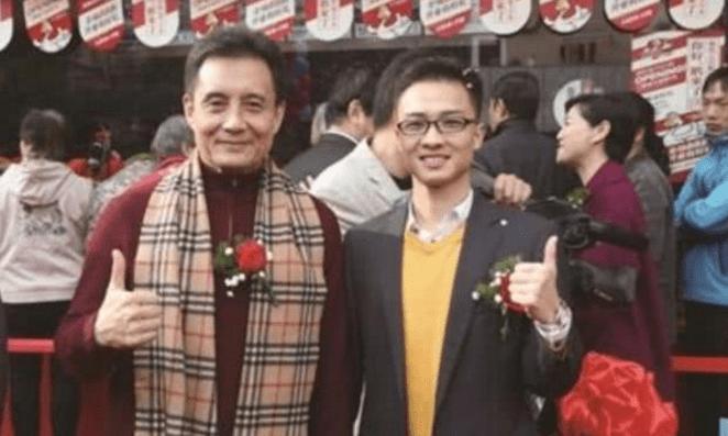 他是《西游记》最贵演员,曾被张卫健谢霆锋暴打,如今老家卖卤菜  第5张