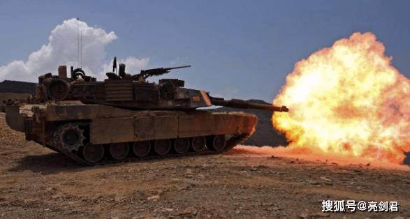 轮式坦克很强,但单挑履带坦克就是完败,后者