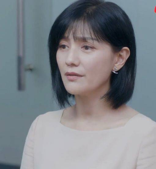原创             年过40显老女星,陈乔恩头发稀疏,王艳差点认不出来