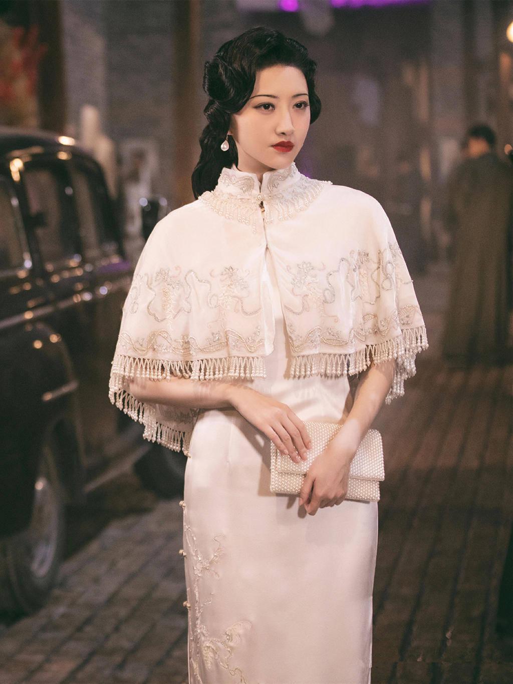 """原创             景甜真是""""人间富贵花""""!穿上旗袍惊艳圈粉,论找对造型的重要性"""