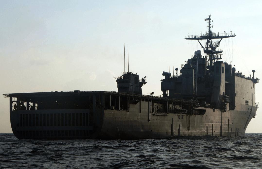 曾经的主力,哈波费里级船坞登陆舰有何优点:它功能多并且性能先进!