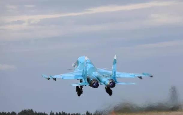 俄空中主力,升级后的苏-34M有多承重?其最大外挂载荷达8吨!